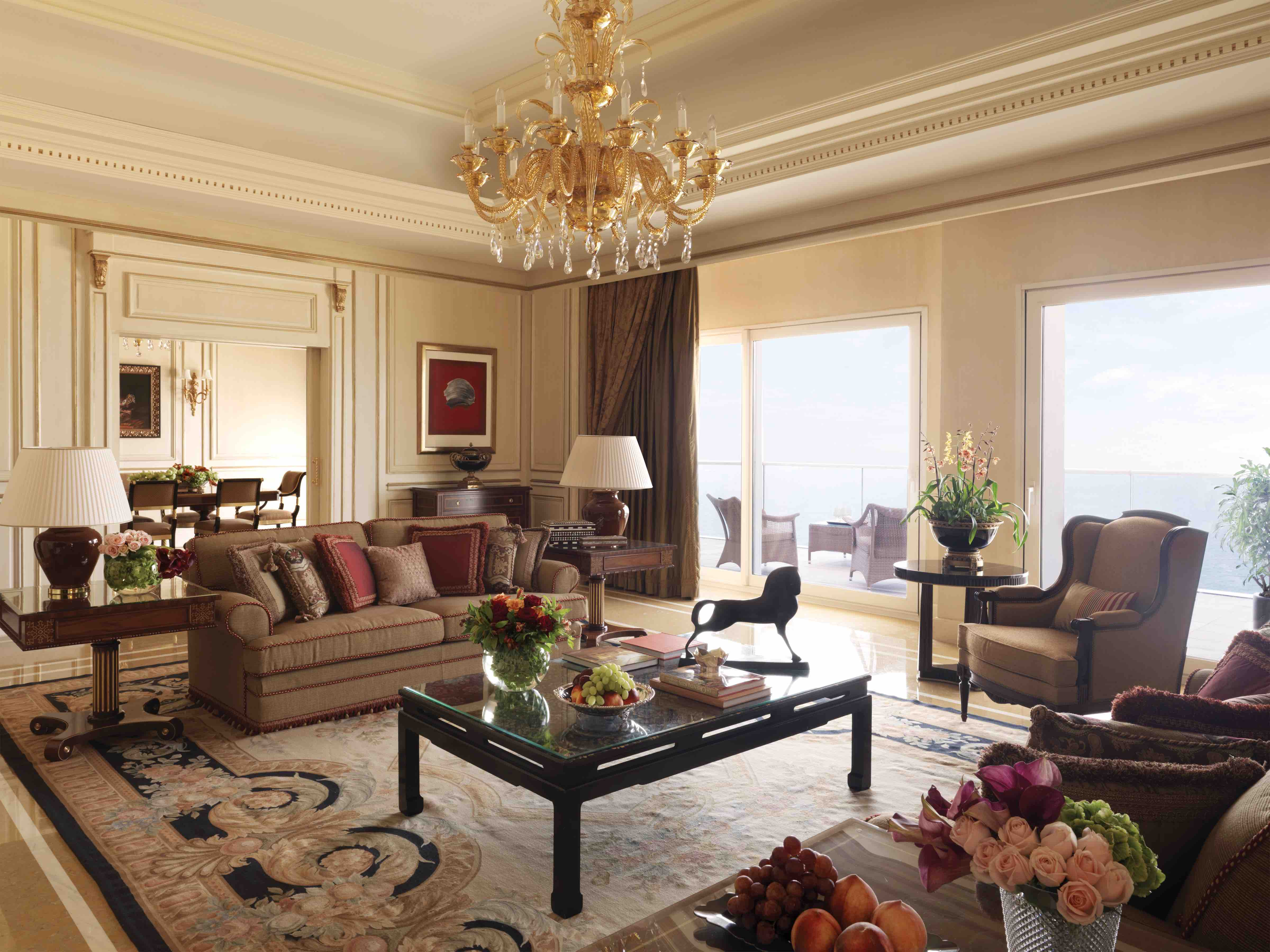Pure Luxury within the Royal Suite. Photographer: Thuysbaert, Paul © Four Seasons
